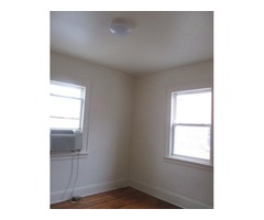 1 Bedroom Efficiency w/ Shared Bathroom. Utilities Included