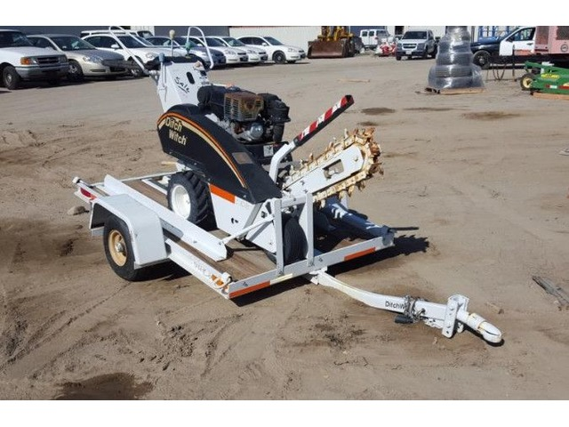 2004 DITCH WITCH 1030H WALK BEHIND TRENCHER - Special Equipment