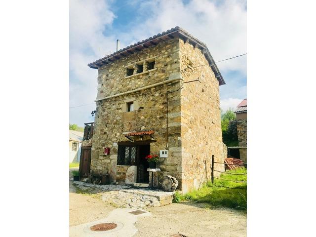 Admirable Stonehouseforsaleinvelilladelatercia Leon Spain Beutiful Home Inspiration Xortanetmahrainfo