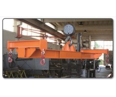 Lifting beams and accessories special manufacturing on request.