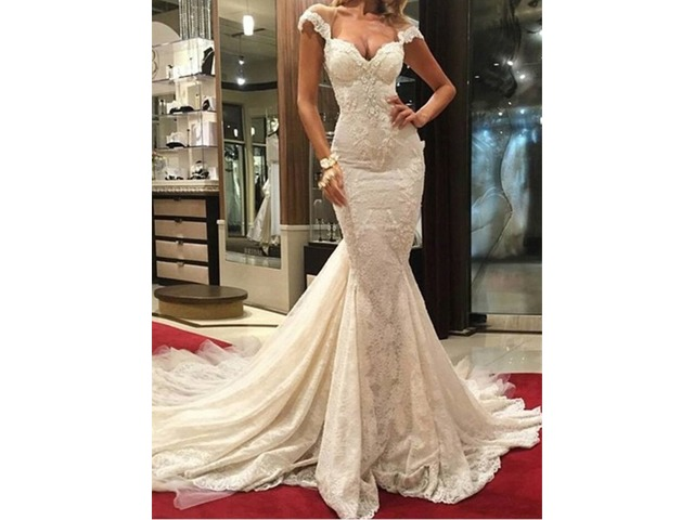 acc0969dbb6 Cap Sleeves Appliques Lace Mermaid Sexy Backless Wedding Dress ...