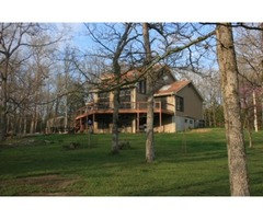 Beautiful country home located in Lonedell