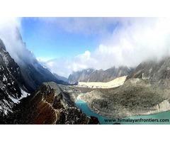 Trekking to Goeche La Pass
