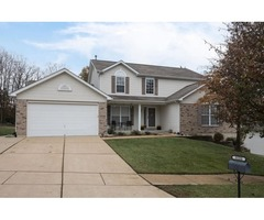 Beautifully maintained, move-in ready 2 story