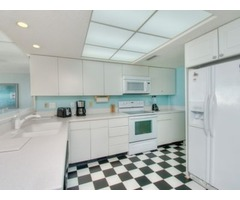 Newly Renovated Beautiful 4 Bedroom Ocean Front!