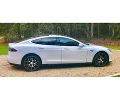 2015 Tesla S P85D Sedan 4-Door