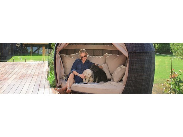 Sunbathe Luxuriously in Designer Rattan Outdoor Daybeds | free-classifieds-usa.com
