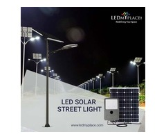 Install Highly Efficient LED Solar Street Light Set At The Outdoor Places