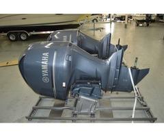 "Twin 2002 Yamaha 225 HP 25"" Shaft Four Stroke Outboard Motor"