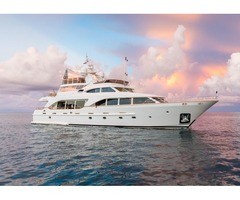BENETTI 100'/ 30m TRADITION 2007 / 2018 Location: Fort Lauderdale, FL