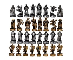 32 fantasy chess pieces in amazing styles and colors