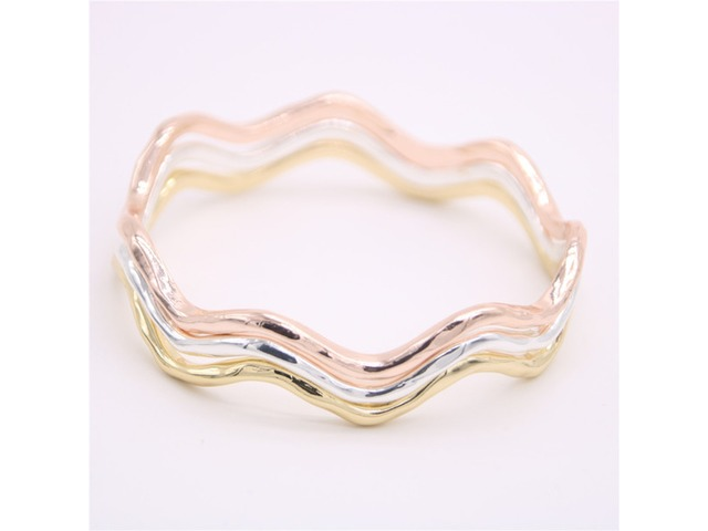 Fashion waves of the bangles Very nice curves Bangles Lovely lady corrugated metal bangles for women | free-classifieds-usa.com