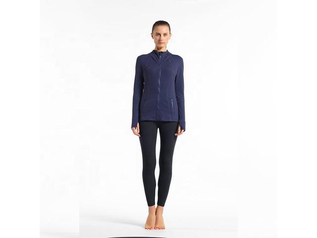 Hot sale ladies fitted thumbhole jacket sports yoga jacket zipper pockets women sport wear | free-classifieds-usa.com
