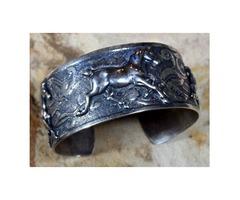 Handmade Mirror Antique Silver Classic Running Horse Cuff (USA)