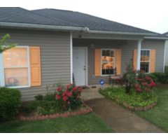 Very Nice Cottage For Sale W/NICE LARGE FENCED BACK YARD