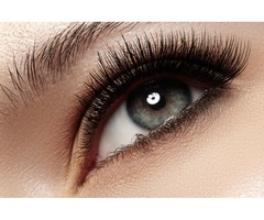 Get Fabulously Curled Lashes With The Professional Eyelash Services At Avari Beauty
