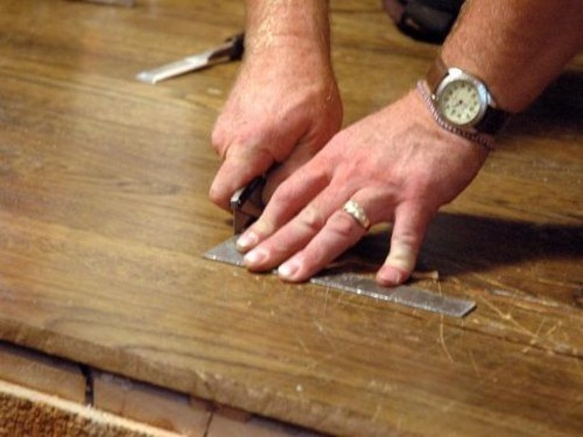Hire Almahdi hardwood flooring for floor installation now | free-classifieds-usa.com
