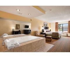 Get Best Hotels in Wisconsin Dells WI | Ramada