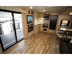2020 Coachmen Catalina Legacy Edition 303RKP/ Porch