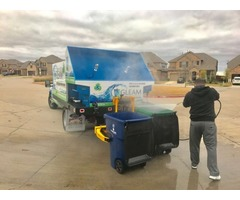 Garbage can cleaning service