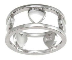 An Anniversary Ring: The Perfect Gift For Your Wife