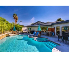 Contemporary 4BR/3BA Pool, Spa, & Outdoor Living Area, Close to Downtown