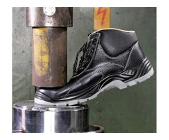 WE ANALAYZED HOW MUCH WEIGHT STEEL TOE BOOTS CAN TAKE