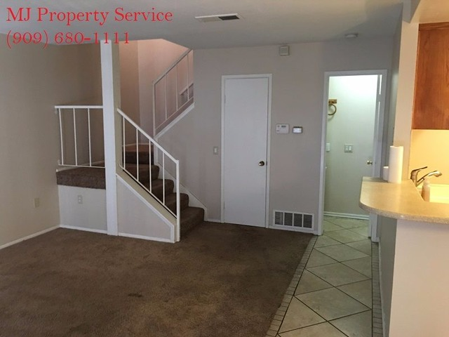 Spacious 3 bedroom condo in riverside houses apartments for rent riverside california for 3 bedroom apartments in riverside ca