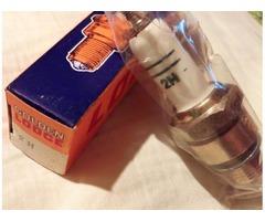 ORIGINAL LODGE spark plugs 2H type, white ceramics (1970)