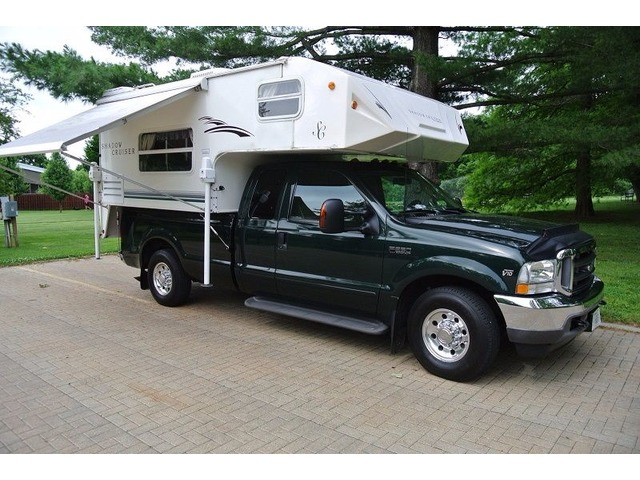 Ford F250 Xlt Super Duty Crew Cab With Cap And Camper