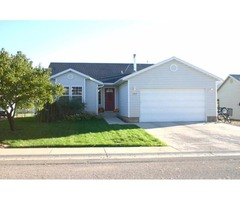 Beautifully maintained 5 bedroom 3 bath home! 759 W 130 N