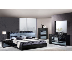 Manhattan Bedroom Set in Black High Gloss