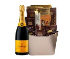 Pick Up Champagne Gift Basket Delivery in Philadelphia