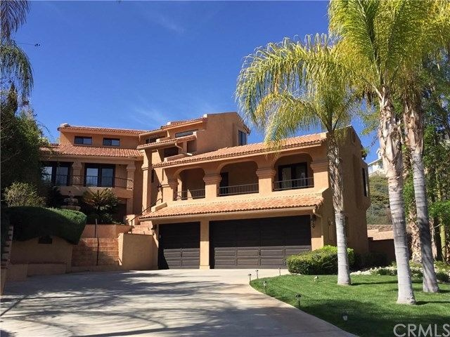 Gorgeous multi level home at canyon lake with great curb for Multi level homes for sale