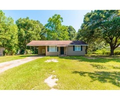 4 Bedroom Home on Superior Convenience & Affordability in Daphne!