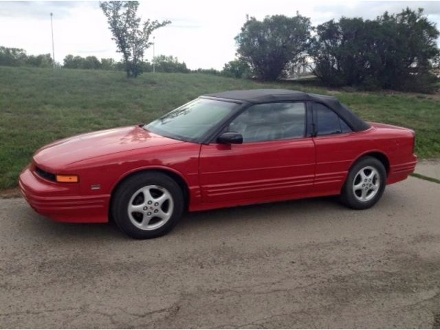 1995 Cutl Supreme Convertible Red