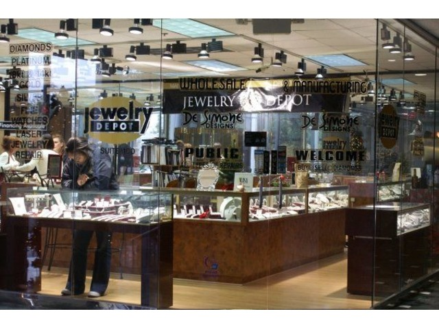 Buy quality diamond rings on a budget at jewelry store for Jewelry stores in texas
