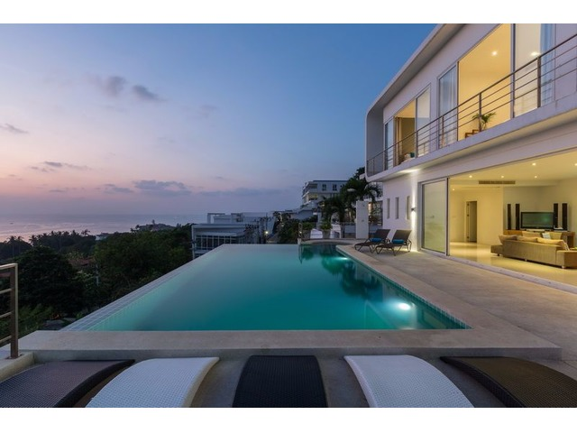 4 BEDROOM VILLA FOR SALE WITH SUNSET SEA VIEWS IN THAILAND