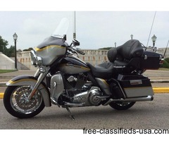2012 Harley Davison Electra Glide Ultra Classic CVO FLHTCUSE7