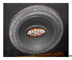2 KICKER WOOFER SPEAKERS WITH BOX