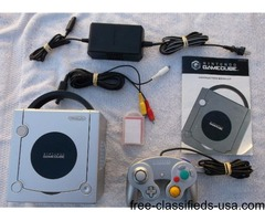 Gamecube w 2 Controllers, Memory Card, Mic & 15 Good Games!