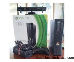 Xbox 360 4 GB Game Console Kinect Sensor 8 Games