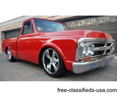 1970 GMC short bed C10 show stopper!