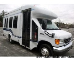 2006 Ford E350 Mini Bus w/Wheelchair Lift (A4723)