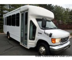 2006 Ford E450 Non-CDL Wheelchair Shuttle Bus (A4711)