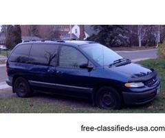 2000 Voyager mini-van