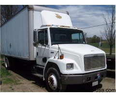 2000 Freightliner FL70 Box Truck 24' Box - with CAT 3126 Engine
