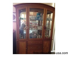 Hutch, top glass shelf area can be lighted