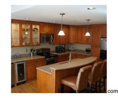 Astonishing 4 bed, 3.5 bath Townhouse available January 1
