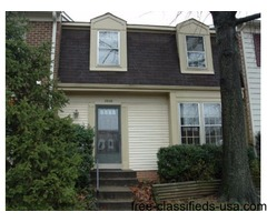 Beautiful Townhome, 3 or 4 BR, 3.5 BA, Walk to Metro
